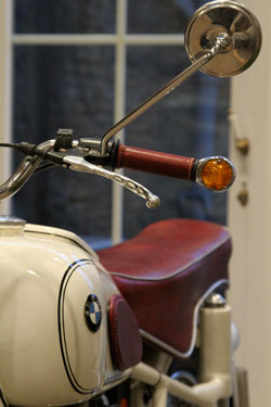 poign es moto cuir ol 39 timer sellier moto. Black Bedroom Furniture Sets. Home Design Ideas