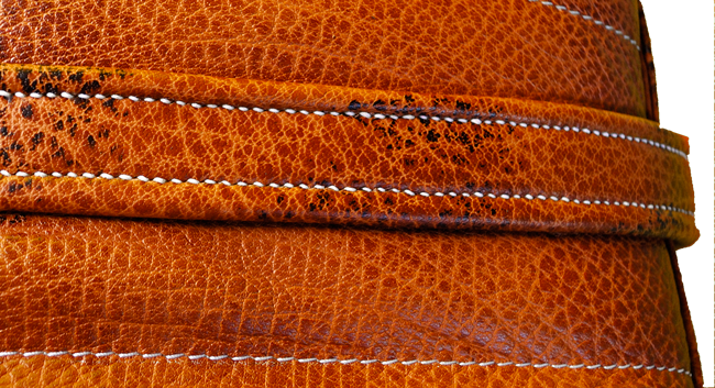 Poignée en cuir doublé et cousu main