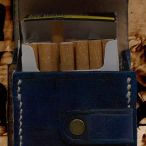 Etui pour paquet de cigarettes en cuir vintage bleu