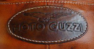 patch cuir repoussé marque Moto Guzzi